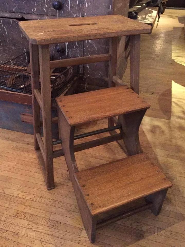 折りたたみ式の木製ステップスツール画像1