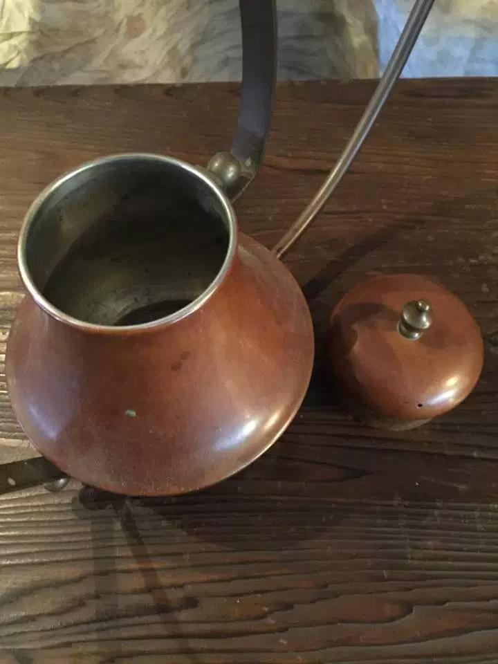 銅製の水差し画像3